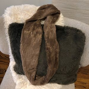 Wrappable Neck Scarf